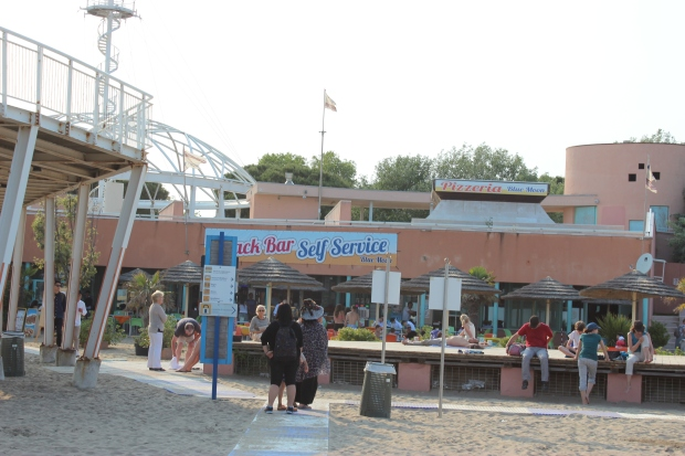 The beach feat. Snack Bar and the Pizzeria