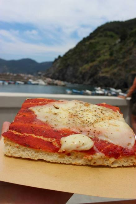 yum ... pizza by the sea!